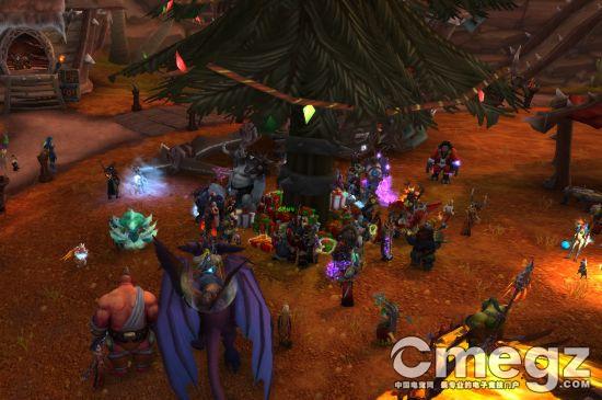 《魔兽世界》圣诞节礼物发放 主城圣诞树下领取