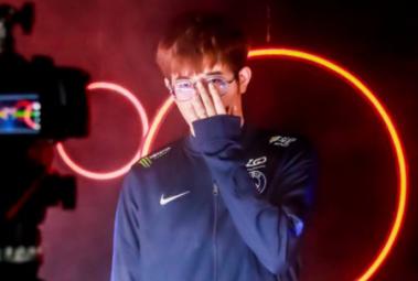 PSG.LGD粉碎Secret坚固防守,B组头名晋级淘汰赛胜者组