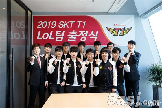 SKT发布LCK联赛出征照,网友直言:S9总冠军来了